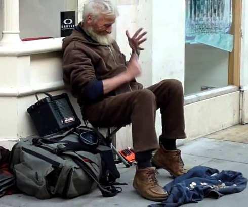 Sajmon Spuns – moderne melodije na kašikama