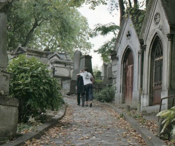 Smrt u kući: dogovor, podrška i neradni dani za članove porodice