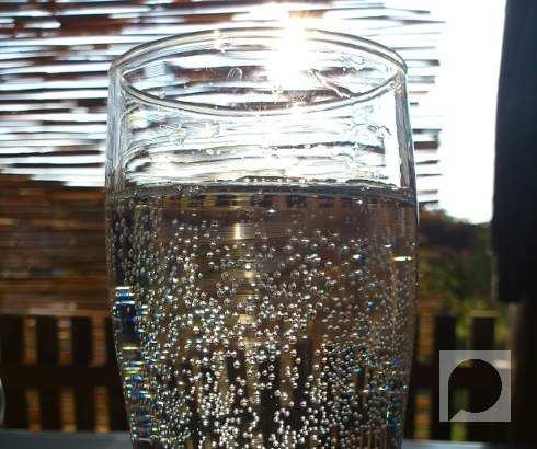 Čaša vode kao simbol osveženja