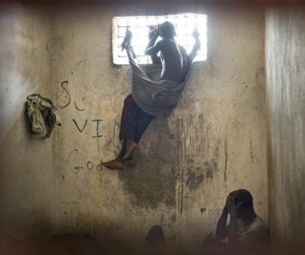 Zatvori počinju da liče na (loše) domove za stare