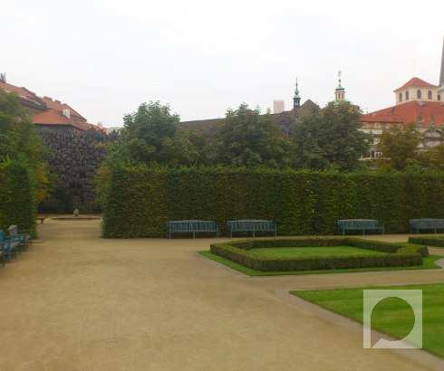 Palata i vrt Valenštajn u Pragu