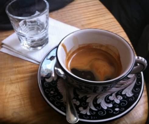 Šoljica kafe – za razgovor, ali i nesanicu