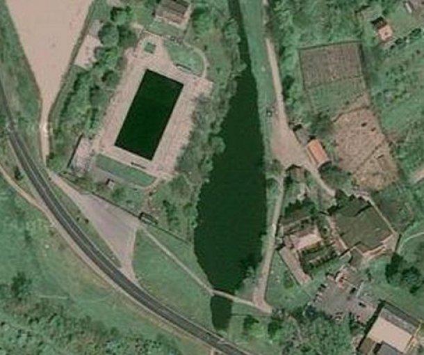 Jezero kod gradskog bazena u Inđiji