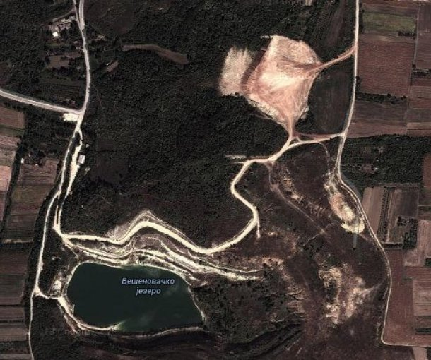 Bešenovačko jezero Beli Kamen kod Fruške Gore