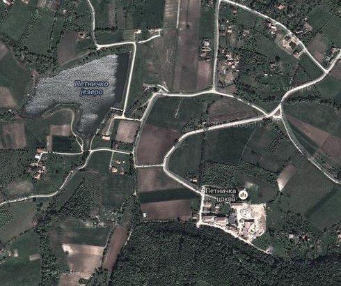 Petničko jezero u Petnici