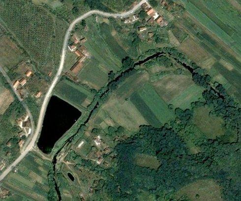 Jezero kod sela Loćika na Juhoru