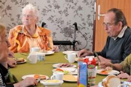10 razloga zašto starija osoba odbija hranu i kako se izboriti sa tim