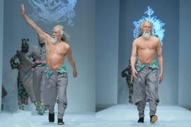 """79-godišnji """"maneken"""" na Kineskoj nedelji mode"""