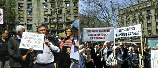 Neki od transparenata sa protesta