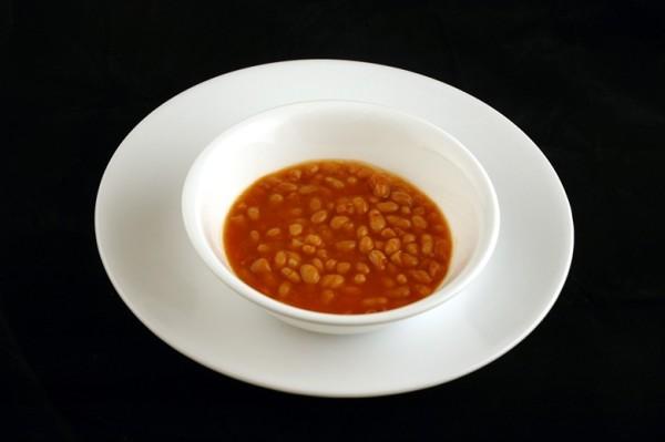 pasulj sa svinjetinom - 186 grama = 200 kalorija