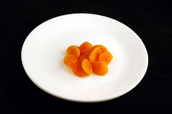 sušene kajsije - 83 grama = 200 kalorija