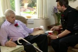 Britanski policajci odgovorili na poziv zbog usamljenosti starijeg para (video)