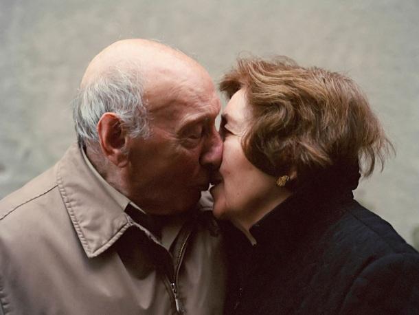 baka i deka se ljube poljubav ljubav