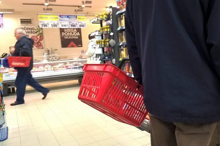 Prodavnice otvorene samo za starije od 65