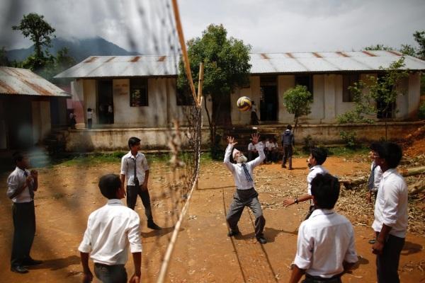 Nepal deka odbojka mladi stari međugeneracijska saradnja