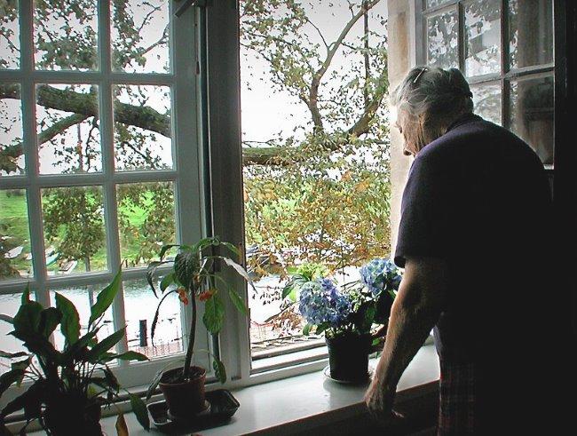 """Nema potrebe zaključavati starije osobe u domovima za stare """"zbog njihove sigurnosti"""""""