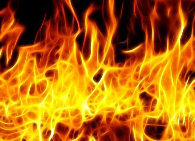 Više stradalih u požaru u neregistrovanom domu za stare