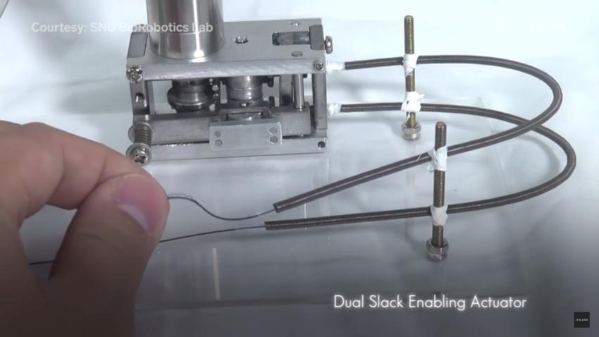 Slike: Exo Glove Poly - pokretačka mašina i sajle robotske šake za fine pokrete ruke osoba sa invaliditetom