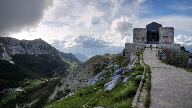 Milovan (Beograd): Veselo kroz Crnu Goru