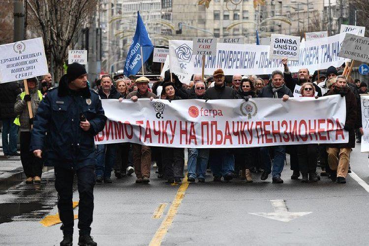 """Protest penzionera """"Nećemo vam oprostiti"""""""