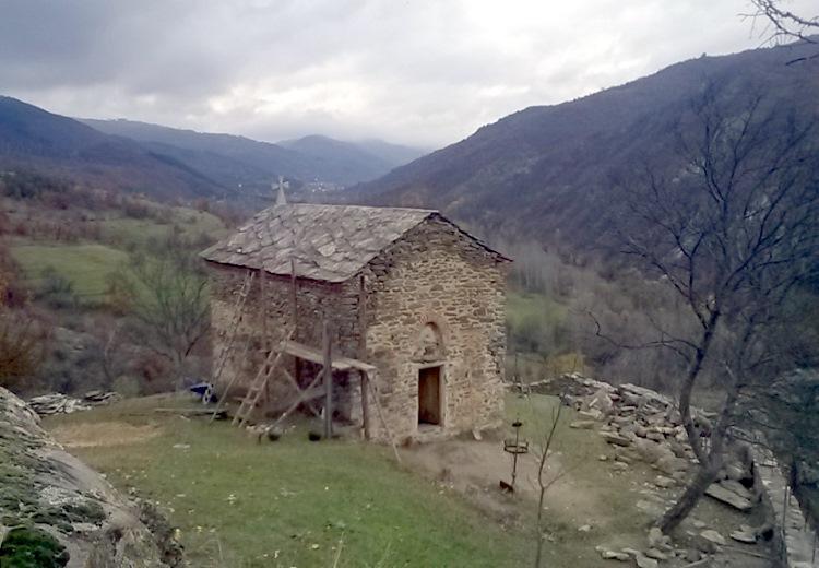 Srbija uplaćuje penzijsko za sveštenike – i posle 65.
