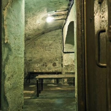 Nadežda (Gvelf, Kanada): Prenoćište u atomskom skloništu