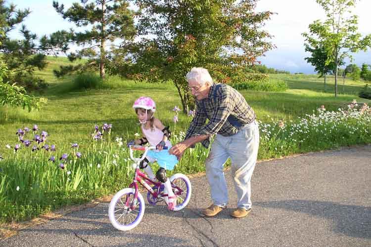 Neslaganje sa bakama i dekama oko vaspitanja dece