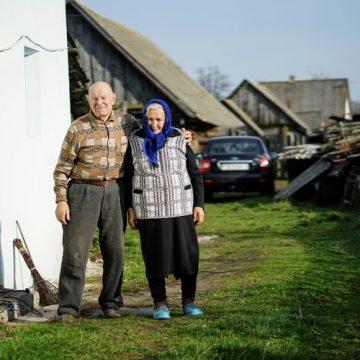 Rizik od gojaznosti kada unuke čuvaju bake i deke