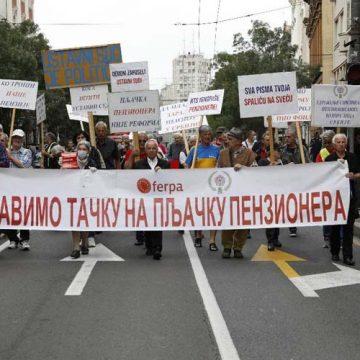 "Održan protest penzionera ""Penzioneri pitaju"""