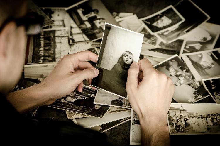 Starije osobe manje dele svoje uspomene