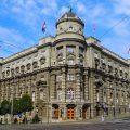 Najstariji najviše veruju političarima i najbolje ocenjuju Vladu Srbije